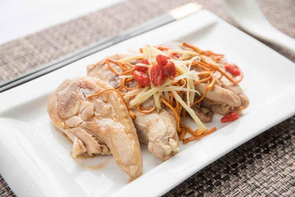 Steamed-Chicken-With-Cordycep-Flower