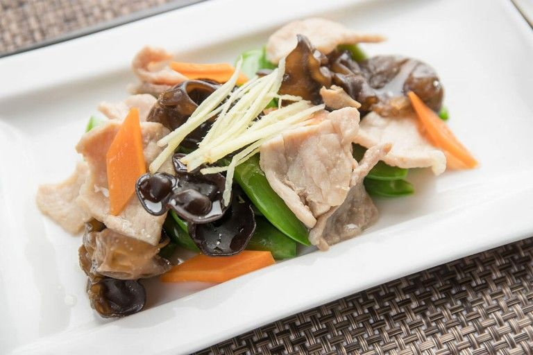 Stir-Fried-Black-Fungus-With-Sliced-Pork